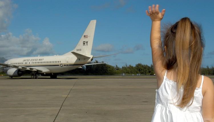 child-waving-goodbye-595429_1280
