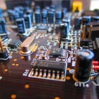 circuit-board-973311_1280 (1)